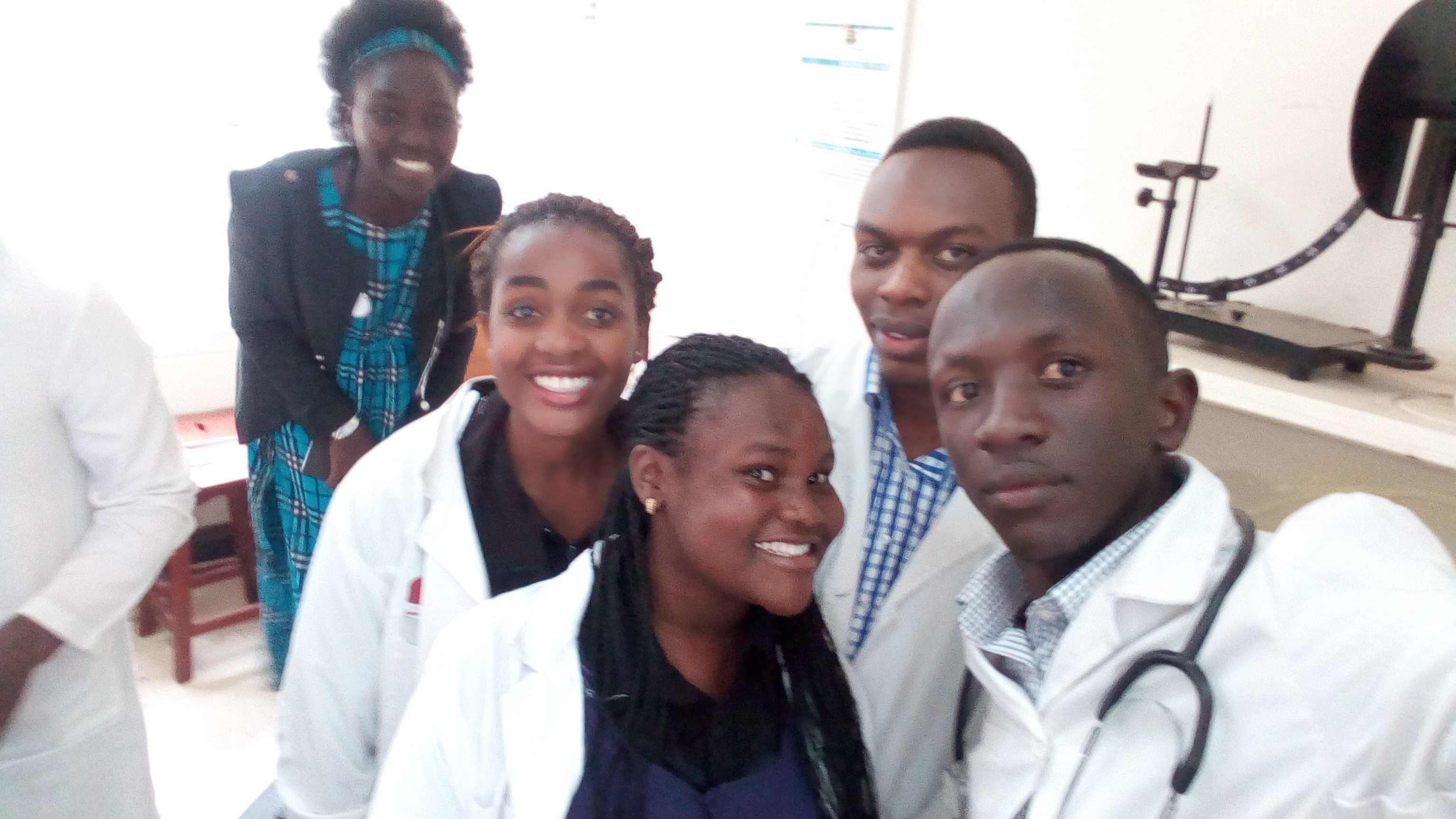 Medicine and Surgery lv2 during lab session. Below is Andrew,Amros,Audi,Eve and Faith